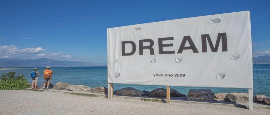 Yoko Ono 'Dreams' sign